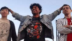 Dances • Keep Talking • Disco De Estreia «...3 minutos de rock de cabelo nos olhos com os livros de estudo das disciplinas de Mudhoney e Nirvana sabidas de cor e salteado e carregados com orgulho debaixo do braço.» #Dances #SuzyLee #KeepTalking #BlackBell #DiscoDeEstreia #AlecPeterson #TrackerMagazine