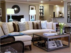 living room, love that coffee table