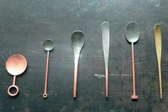 """""""Color Scale""""  Copper and Brass spoons by Yumi Nakamura (cibone.com) - very usefull art!"""
