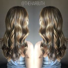 🍂 'tis the season 🍂 #nofilter #spalon #spalonmontage #salon #hayleyatspalon #thehairbuth #cosmetology #cosmetologist #hair #haircut #loreal #lorealpro #lorealprous  #haircolor #color #woodburyhair #woodburyhairstylist #mnstylist #colorproof #kevinmurphy #career #mnhair #askforhayley #cut #hairstylist #minnesotahair #twincities #licensedtocreate #naturallight #balayage