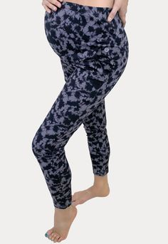 These will quickly become your favorite bottoms! Our super cozy pants are perfect for yoga, gym, lounge and daily wear. The perfect pant throughout pregnancy and for postpartum! These tie dye pregnancy lounge pants also feature an adjustable belly band for added comfort. Sexy Mama Activewear is constructed of a premium spandex blend! They provides support without being constricting and is just the right amount of breathable. #SexyMamaMaternity #ShopSexyMama Maternity Workout Clothes, Maternity Activewear, Pregnancy Workout, Blue Toes, Belly Bands, Lounge Pants, Daily Wear, Yoga Gym, Active Wear