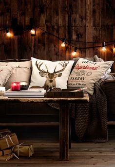 Scandinavian Christmas decor. Get more inspirations on: http://www.bocadolobo.com/en/inspiration-and-ideas/