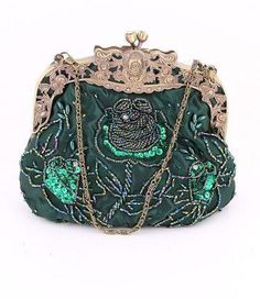 My Mom collected small, old purses like this Vintage Victorian Rich Emerald Green Sequined Beaded Floral Evening Purse Vintage Purses, Vintage Bags, Vintage Handbags, Vintage Outfits, Beaded Purses, Beaded Bags, Vintage Accessoires, Moda Hippie, Bijoux Art Nouveau