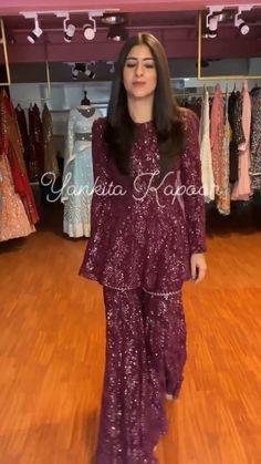 Pakistani Party Wear Dresses, Beautiful Pakistani Dresses, Designer Party Wear Dresses, Pakistani Bridal Wear, Pakistani Dress Design, Fancy Dress Design, Stylish Dress Designs, Dress Indian Style, Indian Fashion Dresses
