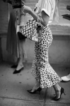 The Sartorialist: On the Street…Fashion in Detail, New York The Sartorialist, Look Fashion, Trendy Fashion, Korean Fashion, Womens Fashion, Fashion Trends, Classy Fashion, Fashion Ideas, Trendy Style