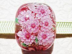 《八重桜》 帯留め ガラス とんぼ玉 桜