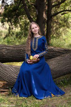 Medieval blue long wool dress Sapphire.
