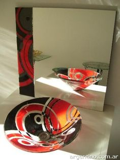 Wow, would love to have this in the main bathroom! Glass Sink, My Glass, Glass Ball, Fused Glass Plates, Fused Glass Art, Stained Glass, Glass Photo, Maquillage Halloween, Modern Glass