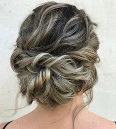 Looking for a perfect wedding hairstyle for your wedding day, these Messy updo hairstyles,braided with messy updo hairstyle ideas, wedding hairstyles