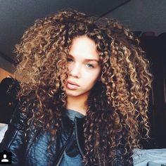 Resultado de imagem para curly girl