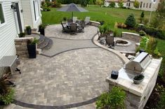 Custom Paver Patio Design and Installation – Maple Crest Landscape - Backyard Designs Modern Backyard Design, Backyard Patio Designs, Backyard Landscaping, Patio Ideas, Pavers Ideas, Garden Design, Backyard Ideas, Backyard Layout, Diy Patio