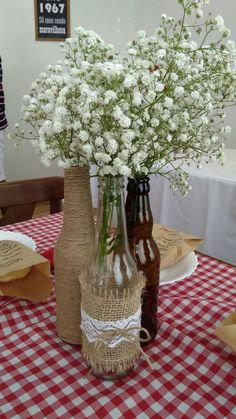 Today I share with you a variety of glass bottle transformation ideas, hoping to bring you a little inspiration. 21st Decorations, Bridal Shower Decorations, Wedding Reception Decorations, Light Decorations, Wine Bottle Crafts, Bottle Art, Jar Crafts, Bridal Shower Props, Backyard Baby Showers