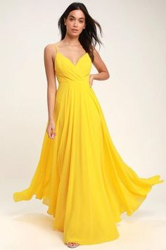 Lovely Yellow Maxi Dress - Yellow Surplice Bridesmaid Dress Source by dresses ideas Yellow Wedding Dress, Yellow Dress Summer, Yellow Gown, Outfit Summer, Yellow Bridesmaid Dresses, Prom Dresses, Dress Prom, Pretty Dresses, Beautiful Dresses