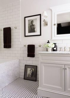 Home Decor Bathroom Richard Lambertson and John Truex's Classic Manhattan Apartment.Home Decor Bathroom Richard Lambertson and John Truex's Classic Manhattan Apartment Bad Inspiration, Bathroom Inspiration, Classic Bathroom, Bathroom Black, Bathroom Modern, Master Bathroom, Brick Bathroom, Guest Bathrooms, French Bathroom
