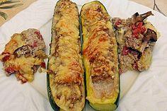 Zucchini gefüllt mit Hackfleisch und Käse überbacken (Rezept mit Bild) | Chefkoch.de