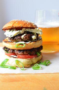 briossisämpylät ja pekoni-sipuli-burgerit (23)