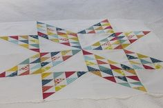 Gorgeous star from half square triangles {via Townhouse}  #patchwork #quilting