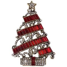 Pre-owned Heidi Daus Deco The Halls Christmas Pin Swarovski Beautiful... ($160) ❤ liked on Polyvore featuring jewelry, brooches, accessories, none, pre owned jewelry, preowned jewelry, oxidized jewelry, christmas brooch and clear crystal jewelry