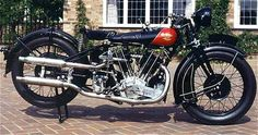 Vintage Motorcycles and classic bikes has become the new cool.To maintain these bikes you need a lot of passion. top most Vintage Motorcycles American Motorcycles, Vintage Motorcycles, Classic Motors, Classic Bikes, Side Car, Motorcycle Engine, Bike Rider, Vintage Iron, Old Bikes