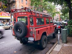// Land Rover Defender. Another one I must have. Someday.