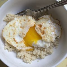 Cauliflower Rice w/ a Fried Egg, and more grain-free, gluten-free snacks!