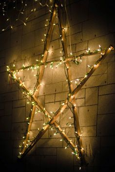 Old tobacco sticks and christmas lights. Star Christmas Lights, Xmas Lights, Decorating With Christmas Lights, Outdoor Christmas Decorations, Light Decorations, Christmas Diy, Primitive Christmas, Holiday Lights, Holiday Decor
