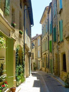 Rue de Petite Bourgade Uzes, Languedoc Rousiilon, France- travel guide to Uzes Medieval Town, Medieval Castle, Languedoc Roussillon, Beaux Villages, Provence France, Rhone, French Riviera, South Of France, France Travel