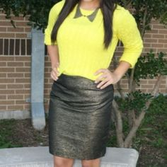 """Metallic Gold/Black Jacquard Pencil Skirt Only worn once. Excellent condition. Perfect for the holiday season or special occasion! Center back seam with a vent, hidden zipper, and hook closure. Lined and lightweight. Waist is 15"""", length is 19.5"""" ❌NO TRADES OR PAYPAL❌ Forever 21 Skirts Mini"""
