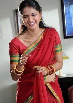 Anushka Shetty Hot Photos in Saree