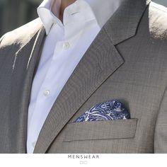 Gi antrekket ditt et luksuriøst inntrykk med lommetørkler i 100% silke fra Como, Italia.  Lommetørkle kr. 195,- http://menswear.no/tilbehor #menswear_no #menswear #dress #oslo #tjuvholmen #lysaker #bogstadveien #hegdehaugsveien #dress #jobb#fest #viero #vieromilano #suit #suitup #slips #viero
