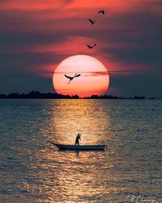 "🌟@suleakt 🌟@wind.whisper en Instagram: ""📸 via ✪ @natureworld_ckchong ♕ Congratulations! Tebrikler! 🌟Selection by ✪ @emre__41 🎈➖➖➖➖➖➖➖➖➖➖➖➖➖ #ig_fotografdiyari #ig_myshots…"" Amazing Sunsets, Amazing Nature, Moon Photography, Travel Photography, Good Night Dear Friend, It Movie 2017 Cast, Artsy Photos, Sunset Wallpaper, Sunset Photos"