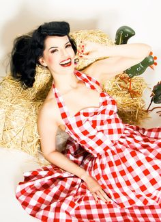 Rockabilly Girl by Bernie Dexter**Red Gingham Halter Bell Swing Dress - Unique Vintage - Bridesmaid & Wedding Dresses. Would be cute with a denim short jacket Rockabilly Looks, Rockabilly Outfits, Rockabilly Fashion, Rockabilly Clothing, Unique Dresses, Vintage Dresses, Vintage Outfits, Red Gingham, Gingham Dress