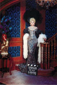Miss Mae West She Done Him Worng Postcard Movieland Wax Museum Old Hollywood Stars, Old Hollywood Glamour, Golden Age Of Hollywood, Vintage Hollywood, Classic Hollywood, Hollywood Divas, Vintage Glam, Hollywood Fashion, Mae West