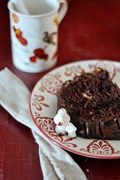 Sorprende a todos con el postre de Navidad con esta receta de tronco de navidad de chocolate! Paso a paso para hacer un tronco de navidad de chocolate.