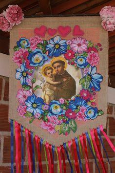 Decoração de São João Diy And Crafts, Crafts For Kids, Mexican Embroidery, Corpus Christi, Altar, Diy Home Decor, Projects To Try, Baby Shower, Wall Art