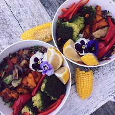 """Yogi yogi bowls Quinoa, black rice, kale, cabbage, beetroot, pumpkin, broccoli, mushrooms, carrot, capsicum, corn, brussels sprouts .... EDIBLE FLOWERS "" Photo taken by @earthlingmaxi on Instagram, pinned via the InstaPin iOS App! http://www.instapinapp.com (05/02/2015)"