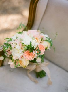 Lovely salmon colored #wedding #bouquet