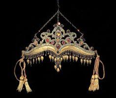 the Tilla Kosh diadem from Bukhara Uzbekistan http://coloreddiamond.info/forum-chit-chat/do-you-have-a-dream-tiara/1475/