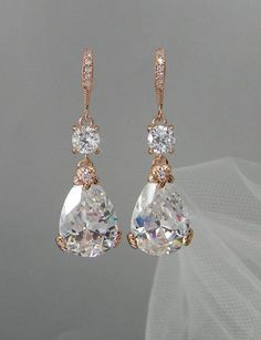 """ac2d4d335412d4 """"Gatsby"""" craze is long tassels, pearl strands, statement earrings and lacy  inspiration"""