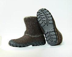 Handgemachte Winter Mens Schuhe in braun für von WoolenClogs