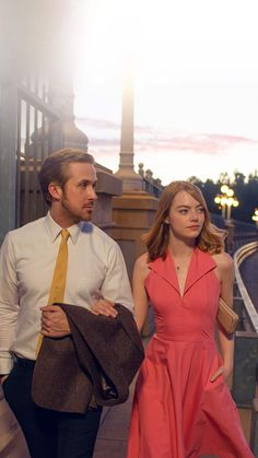 Emma Stone and Ryan Gosling dance in new 'La La Land' poster . Iphone Wallpaper For Guys, Cool Backgrounds For Iphone, Man Wallpaper, Best Iphone Wallpapers, Stone Wallpaper, Music Wallpaper, Screen Wallpaper, Wallpaper Quotes, Ryan Gosling