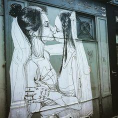 I can see my future in your eyes   #streetart  #art  #paris #france #collage #graffiti #graff #instagraffiti #instagraff #urbanart #wallart #artist #urbanart #parisarturbain #parisart #iloveparis #paris11 #streetartparis11 #urbanartfair #instart #parisvilledart #kiss #women #girls #wedding #mahn @mahnkloix