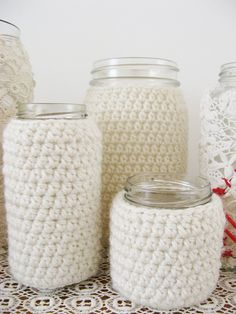 I'd love to do a knitted version to hold my mess of knitting needles...