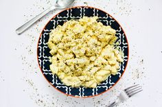 Everyone loves Mac and Cheese - it's the ultimate comfort food! But we all know its not the healthiest. So what if we told you there's an awesome recipe for healthy VEGAN Mac and Cheese? Mac And Cheese Healthy, Awesome Recipe, Plant Based Recipes, Risotto, Good Food, Healthy Recipes, Homemade, Game, Ethnic Recipes