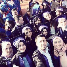 Güzel bir günün ardından geriye kalanlar mezun olduk taze mezunlar :) gökyüzüne bir ateş parçası olarak bırakıldık kıvılcımlar ⚡️ olarak geri döneceğiz �� güzel dostlar arkadaşlar �� 2017 mezunları �� • • • #fotografvakti #fotografturkiye #fotoğraftutkusu #vsco #my_dream_turkey #phototag_it #kadrajimizdan #kadraj_arkasi #kadraj #benimvizorum #benimkadrajımdan #galatakulesi #phototheday #photography #bifotoğraf #objektifimden #objektifimdenyansiyanlar #oaniyakaladim #vscocam #hergunumfotograf…