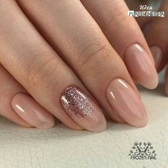 65+ Beautiful Matte Glitters Nail Art Ideas