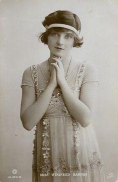 Winifred Barnes, Stage Beauty. Humm interesting? @jodicalder