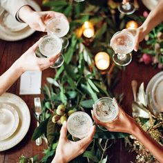 entertaining, dinner party, cheers Image Via: The Effortless Chic Holiday Parties, Holiday Decor, Dinner Parties, Holiday Ideas, Holiday Tablescape, Cheap Holiday, Festa Party, Party Party, Martha Stewart Weddings