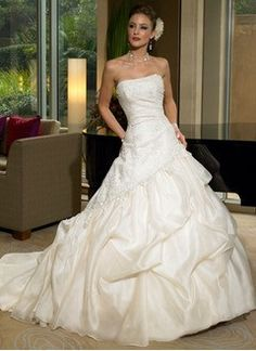 Maggie Sottero wedding dresses are really elegant and in the same time we can admit that they make the difference! If you wear such a wedding dress you're going to be admired for sure: not Maggie Sottero Wedding Dresses, Formal Dresses For Weddings, Wedding Dresses For Sale, Bridal Dresses, Wedding Gowns, Formal Wedding, Prom Dresses, Dresses 2013, Long Dresses