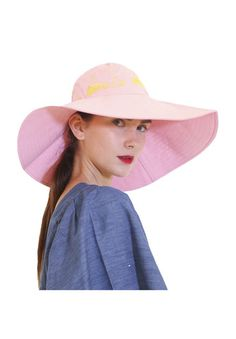 Moomin hat, Moomin by Ivana Helsinki by SOFO POPUP 100 CottonThe form of the hat can be formed by folding the front part up and its p erfect for having in a bag during traveling.Gives perfect shade on the shoulders. Sunglasses Accessories, Women Accessories, Nordic Style, Helsinki, Elegant, Hats, Nordic Fashion, Cotton, Hat Shop